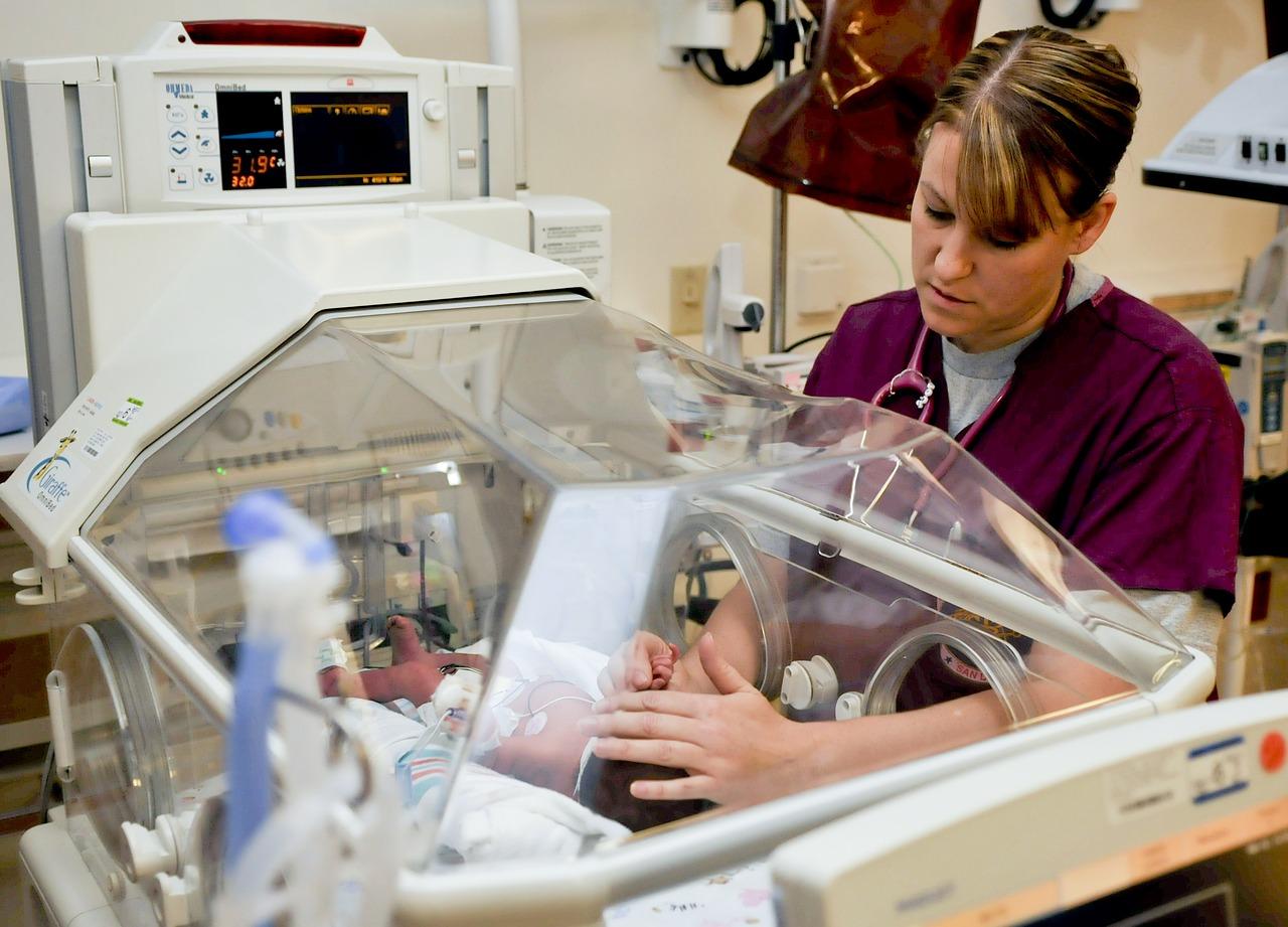 Szkolenie okresowe bhp pielęgniarek i położnych