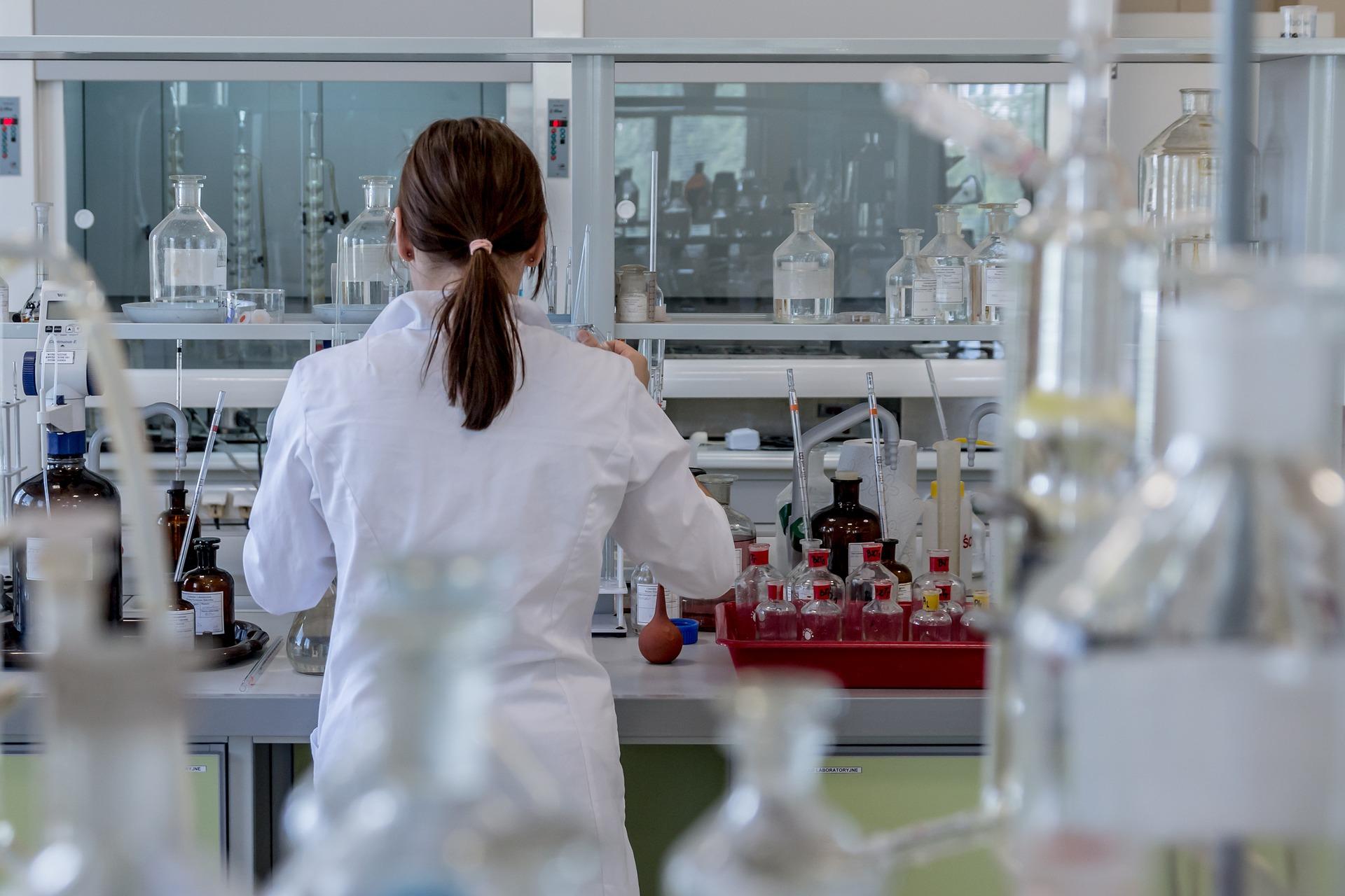 Szkolenie okresowe bhp pracowników farmacji i jednostek badawczo-naukowych