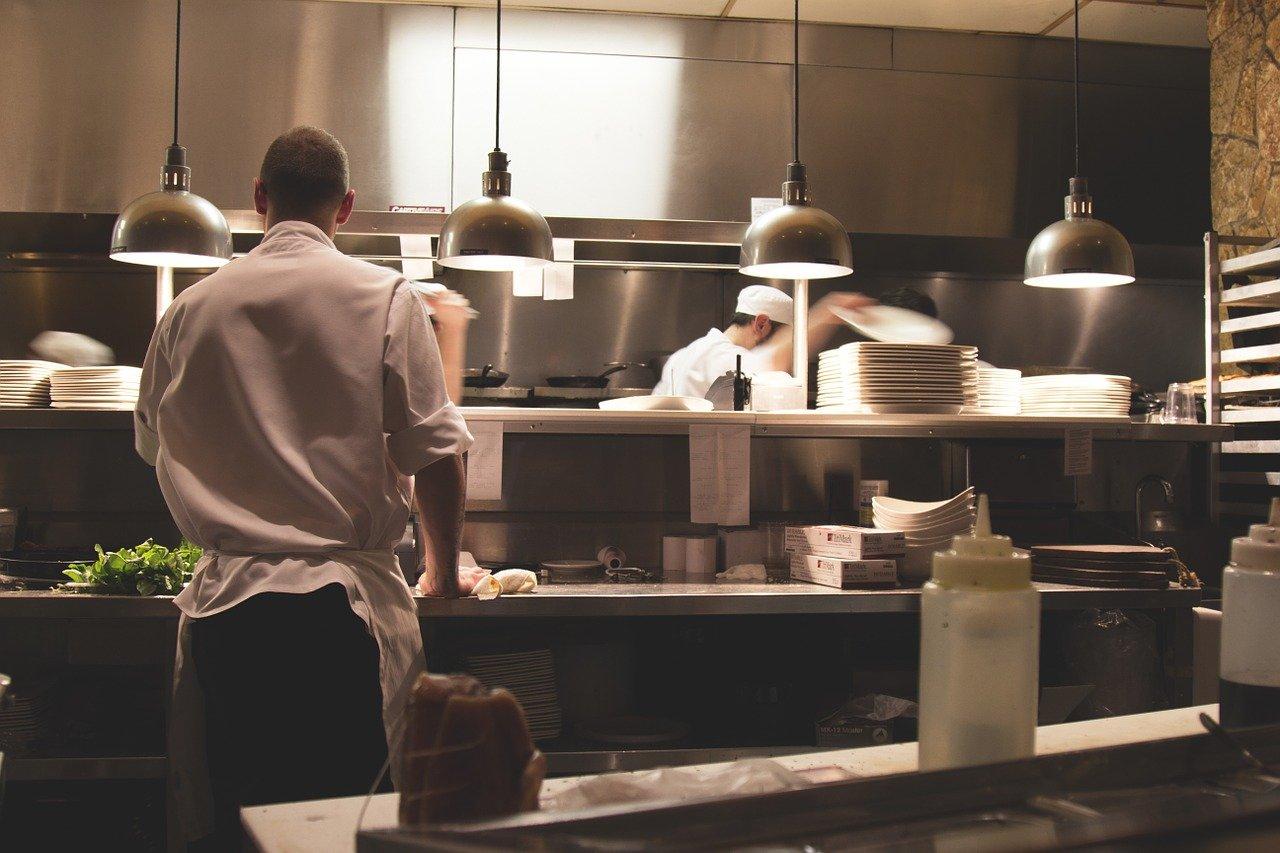 Szkolenie wstępne bhp kucharzy, piekarzy oraz innych pracowników gastronomii